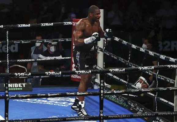 Дюбуа завоевал титул временного чемпиона WBA в супертяжелом весе