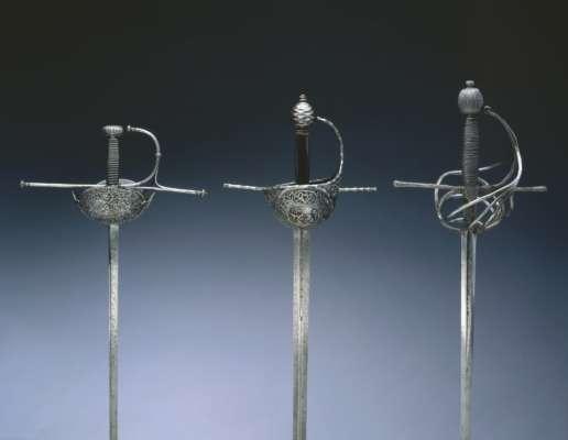 В Німеччині школяр знайшов у лісі середньовічний меч