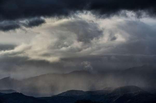Жара отступает и в Украину возвращаются дожди и грозы: прогноз погоды на 19 июля