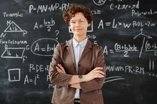 Усім директорам львівських шкіл вдвічі підвищили заробітну плату