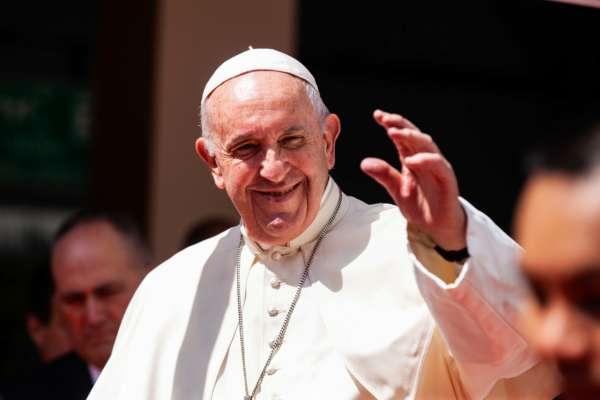 Папа Римский отправил итальянским заключенным 15 тысяч рожков мороженого