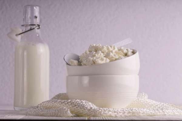 Вчені розповіли, кому небезпечно їсти сир
