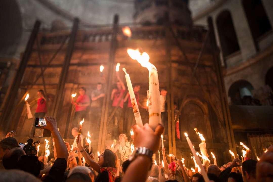 В Иерусалиме состоялась церемония восхождения Благодатного огня. Видео