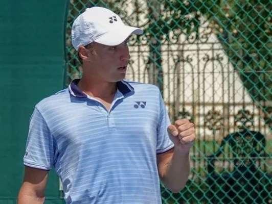 Крутых победил Стаховского. Украинец пробился в полуфинал парного разряда в Казахстане