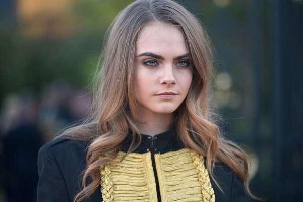 Кара Делевинь назвали причину суицидального настроения