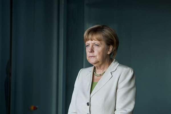 Німеччина обіцяє поділитися вакцинами з бідними країнами