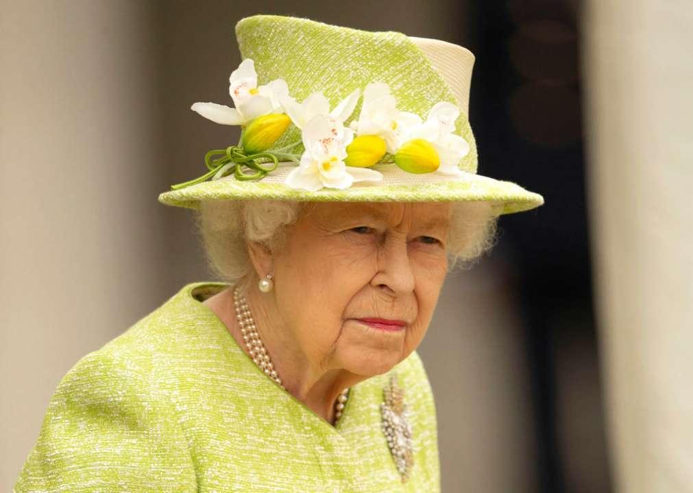 Елизавета II сделала первое официальное заявление без упоминания о принце Филиппе