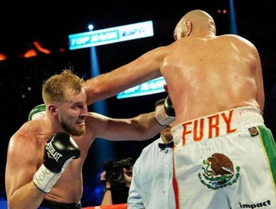 Бывший соперник Фьюри не верит в Усика в бою с Джойсом