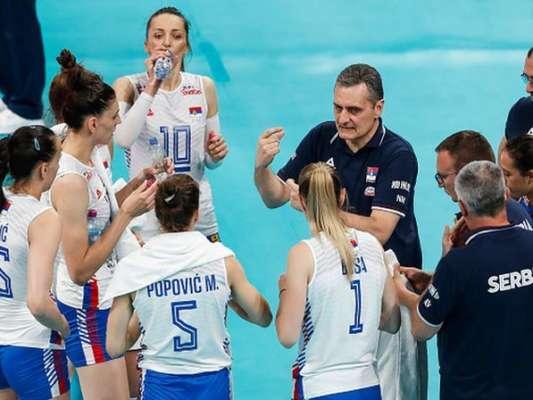 ЧЄ по волейболу серед жінок.  Сербія перемогла Францію і здобула путівку в 1/2