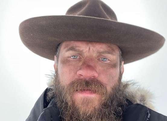 Экс-соперник Макгрегора живет жизнью ковбоя. Фото