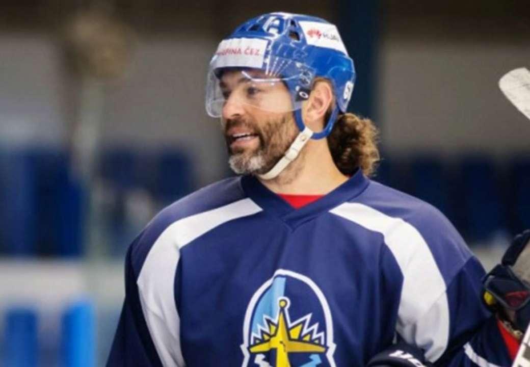 Легендарный Ягр продолжит карьеру в элите чешского хоккея. В феврале ему исполнится 50