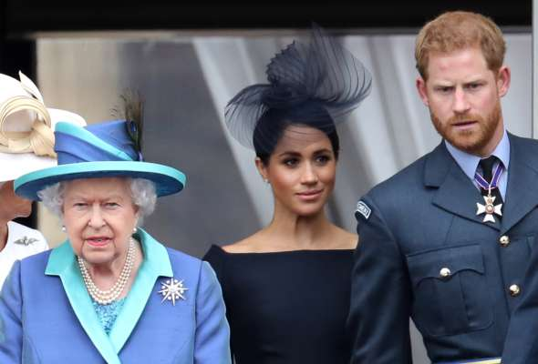 Через Меган Маркл і принца Гаррі Єлизавета II порушила принципи спілкування з пресою