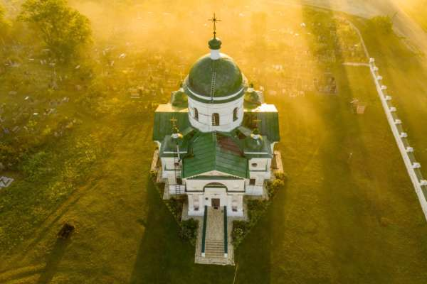 День Святой Троицы 2021: традиции, приметы и запреты в большой церковный праздник