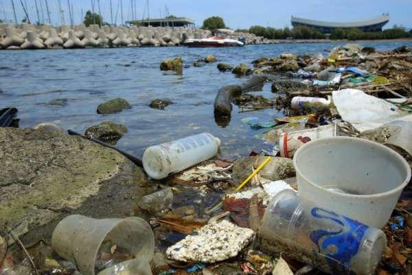 Ученые назвали главную причину загрязнения пластиком мирового океана