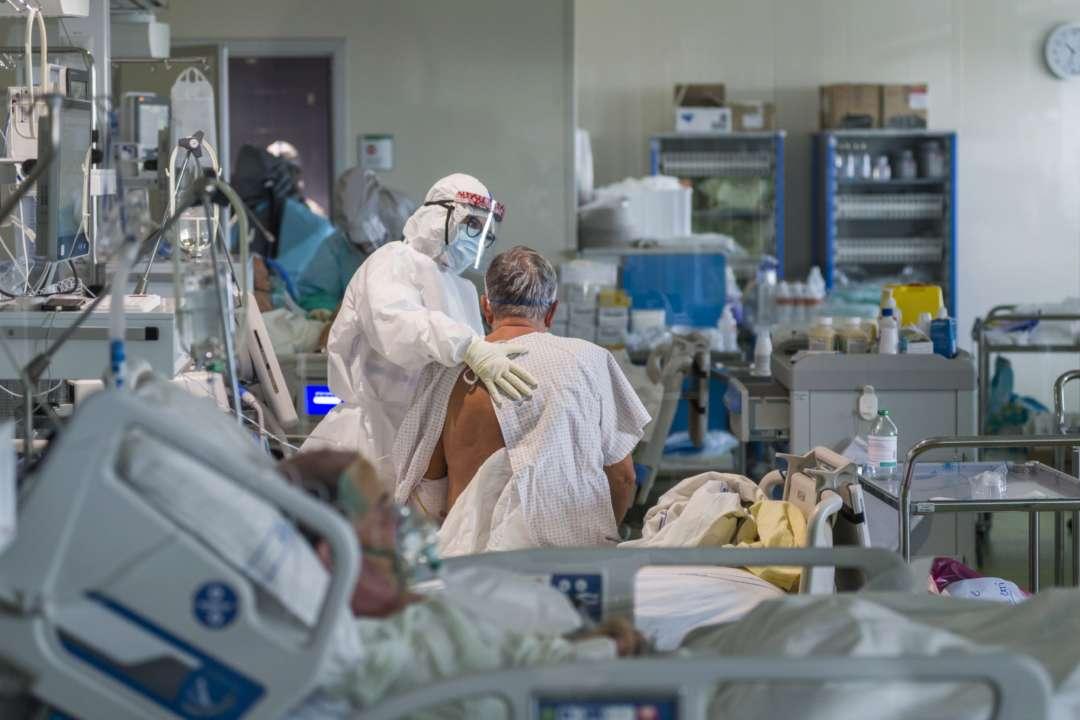 Кроватей с кислородом больше не будет. Украина достигла максимума в борьбе с коронавирусом