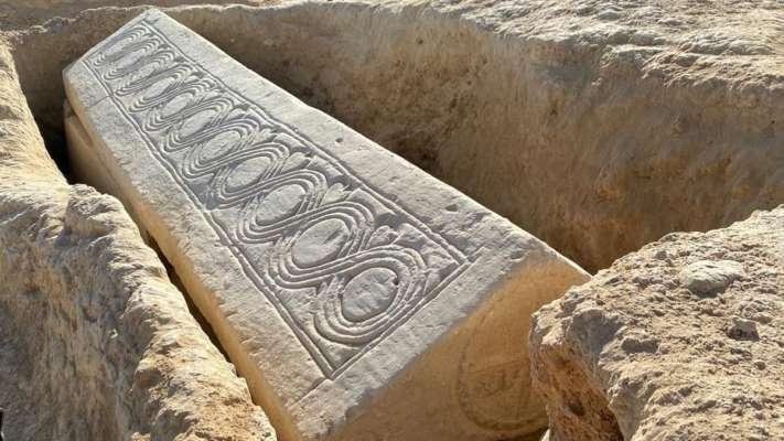 В Испании нашли древний христианский саркофаг с останками человека. Фото