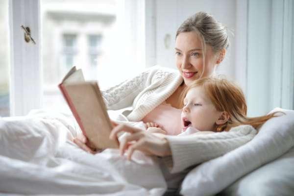 Мати с донькою