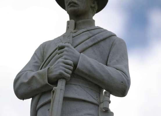 У США шериф поставив собі пам'ятник за бюджетні кошти