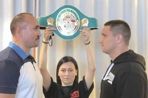 Сиренко нокаутировал Устинова в первом же раунде