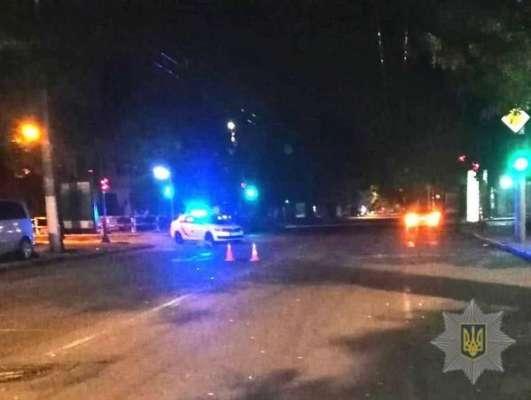 В Одессе на смерть сбили женщину, которая переходила дорогу в неположенном месте