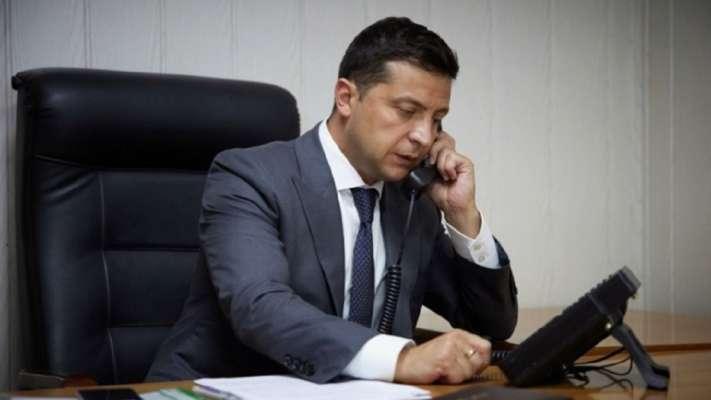 Зеленський обговорив з главою Pfizer контракт на поставку вакцини в Україну