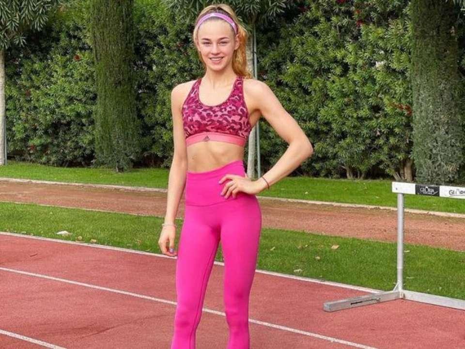 Дарья Белодед показала, как тренируется в зале. Фото