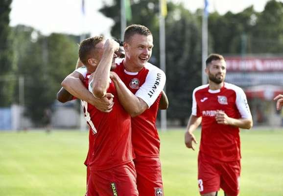 Кривбасс разгромил Олимпик в первом матче в Первой лиге. Поражение Полесья