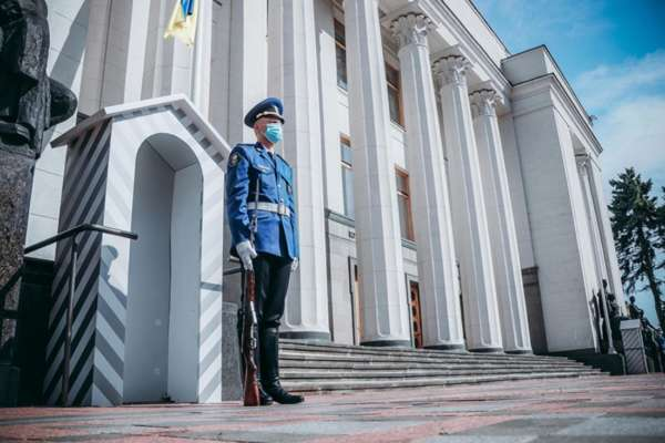 Украинские нацгвардейцы возобновили традицию в память о погибших сослуживцах