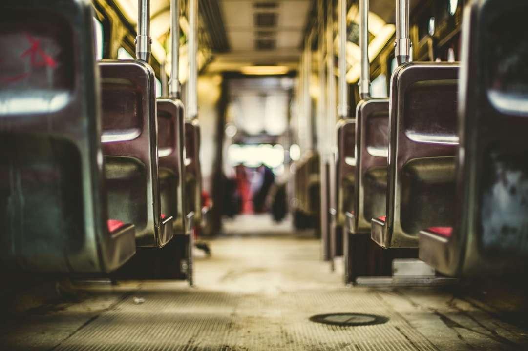 В ще одному українському місті ввели спецперепустки на транспорт