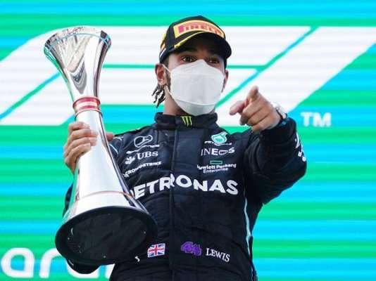 Хэмилтон выиграл Гран-при Испании и закрепился на первом месте в общем зачете