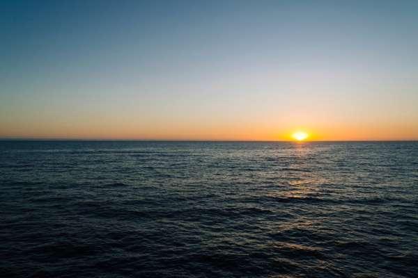 В Тихом океане мусор спас моряка от смерти