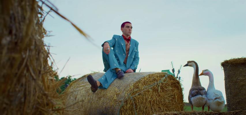 """Хит этого лета: клип на песню """"Гуси"""" исполнителя Wellboy покоряет сеть"""