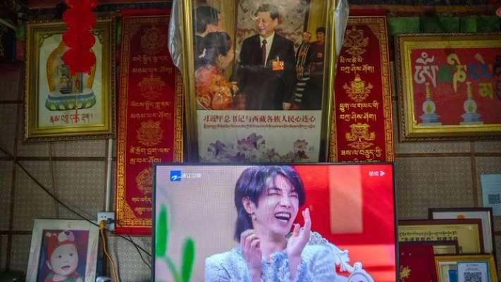"""Власти Китая запретили телевизионным каналам показывать """"женственных мужчин"""""""