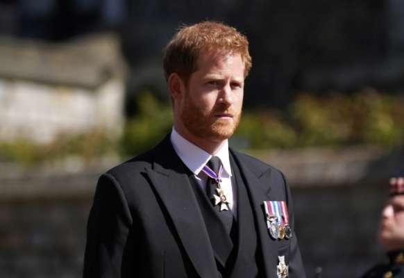 Члени королівської сім'ї холодно привітали принца Гаррі з днем народження