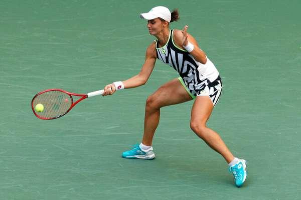 Калинина в двух сетах победила Эррани на турнире в Словении