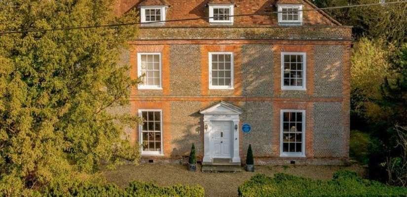В Великобритании выставили на продажу дом Агаты Кристи