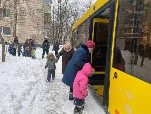 У Києві через пожежу евакуювали вихованців дитячого садка