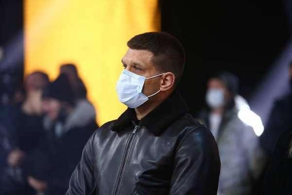 Деревянченко показал, как будет бить соперников. Видео