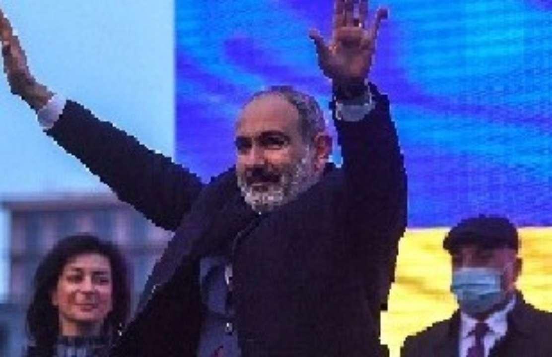 Нікол Пашинян покидає пост заради дострокових виборів