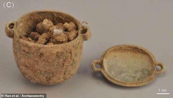 У Китаї знайшли крем, якому 2700 років. Фото