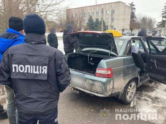 В Черниговской области таксист зарезал пассажира и спрятал труп в снегу