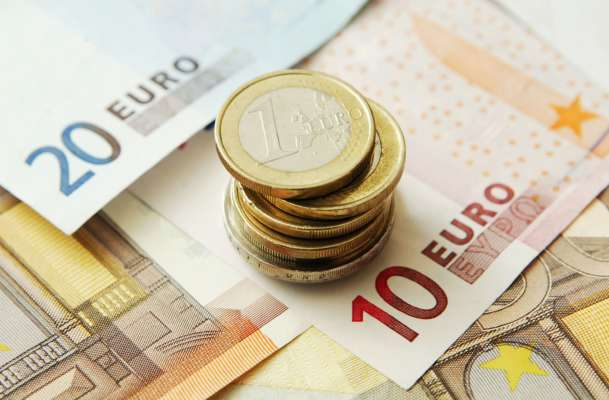 Курс валют на 14 сентября: евро стремительно дешевеет