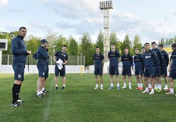 Сборная Украины в составе 25 игроков начала подготовку к Евро-2020