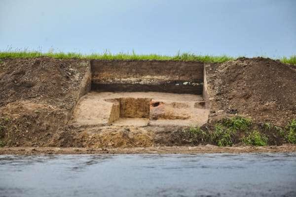 У Львівській області під час ремонту дороги знайшли стародавній плавильний горн