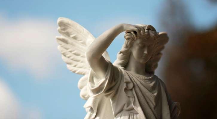 Астрологи назвали знаки Зодиака с сильнейшими ангелами-хранителями