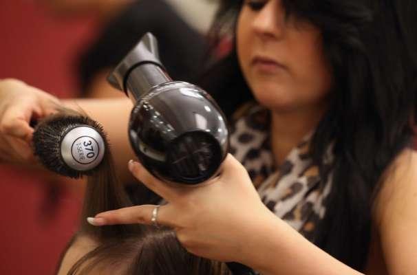 В Индии салон красоты оштрафовали на $271 тысячу за плохую прическу модели