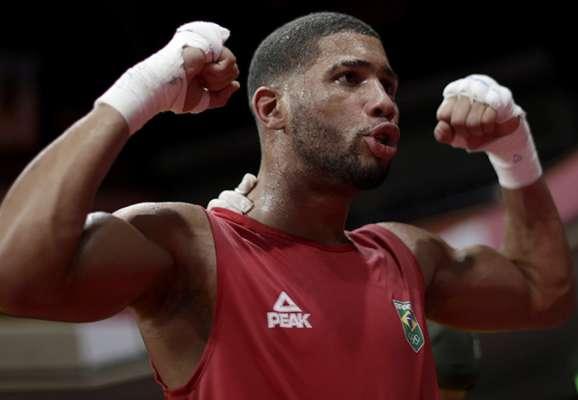 В финале Олимпиады Хижняк будет драться с боксером из Бразилии