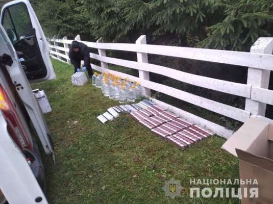 В Ровенской области полиция задержала мужчину с 340 поддельными пачками сигарет