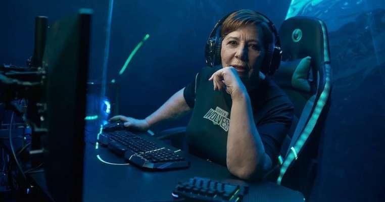 72-річна колишня чиновниця стала професійним геймером
