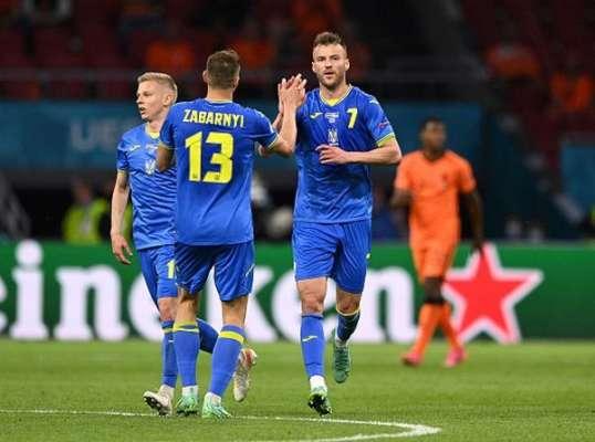Игрок сборной Украины заявил, что в раздевалке не было конфликта между Марлосом и Ярмоленко